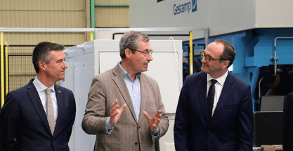 The head of the Provincial Council of Gipuzkoa, Markel Olano, visits the company LOIRE GESTAMP located in Hernani