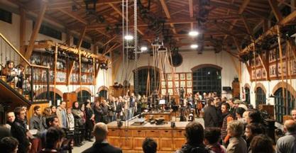 El espectáculo Kataiak inundó de arte el Museo de Máquina-Herramienta