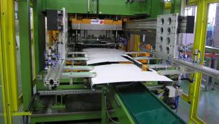 FAGOR ARRASATE Línea automática de fabricación de puertas de frigoríficos