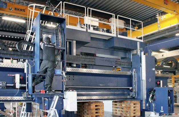 Rectificadora plana Danobat instalada en la empresa holandesa De Rooy