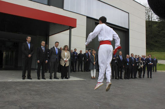 El lehendakari preside la inauguración del edificio Asmaola en el 25 aniversario del IMH