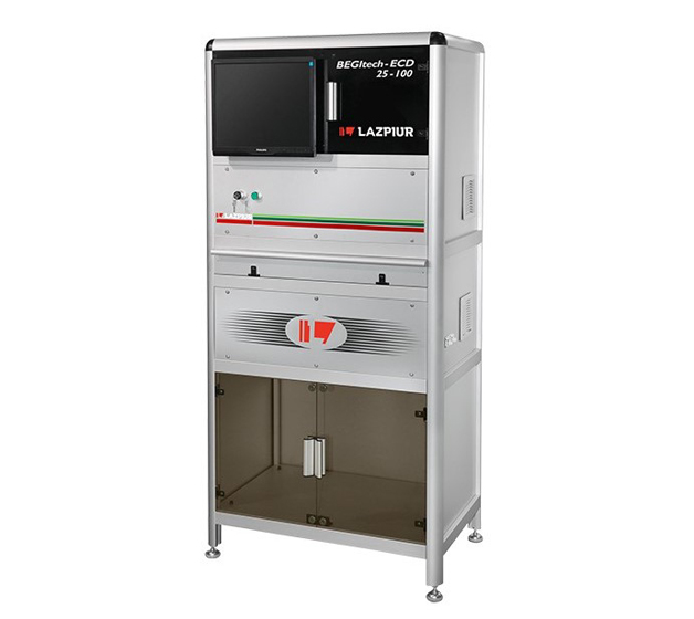 Lazpiur presentó en Stuttgart la familia completa de máquinas para el control de fasteners