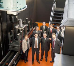 El lehendakari visita la empresa de máquina-herramienta Bost Machine Tools Company