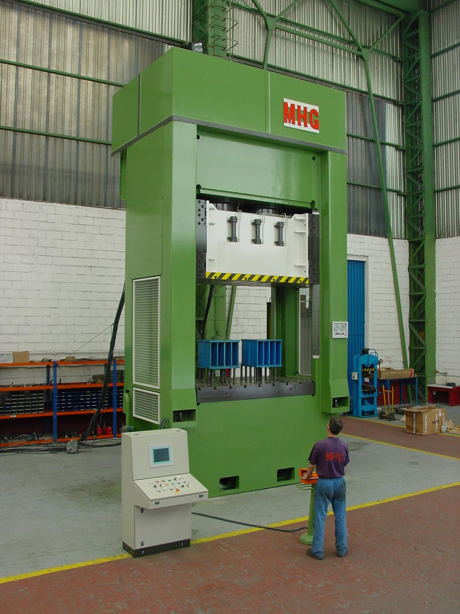 MHG_AUT_HYDRAULIC PRESS