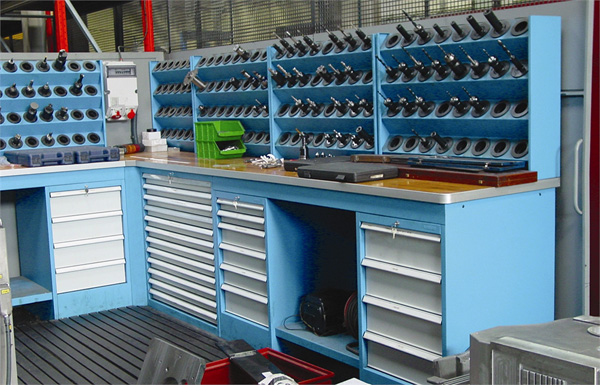 Tool cabinets, workbenches, removable shelves SARRALLE02