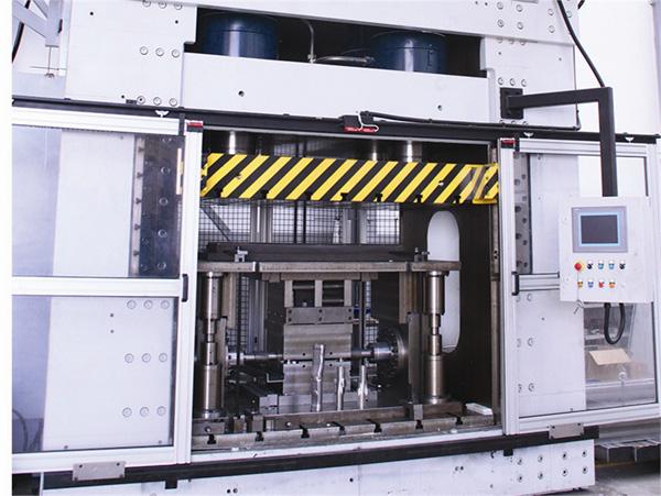 Other hydraulic presses TMI04