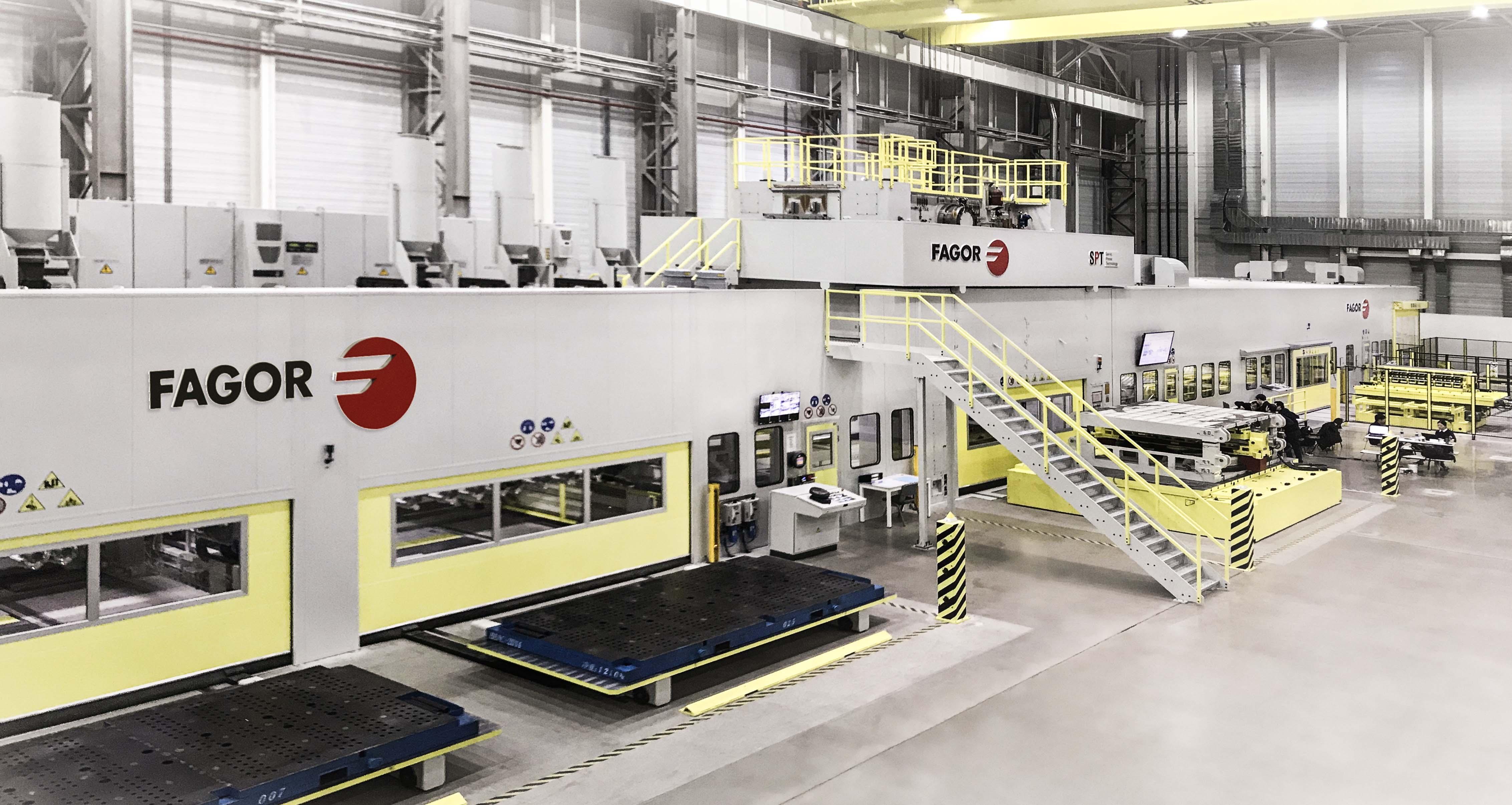 Fagor Arrasate instala una línea blanking servo dual para acero y aluminio en el grupo Daimler