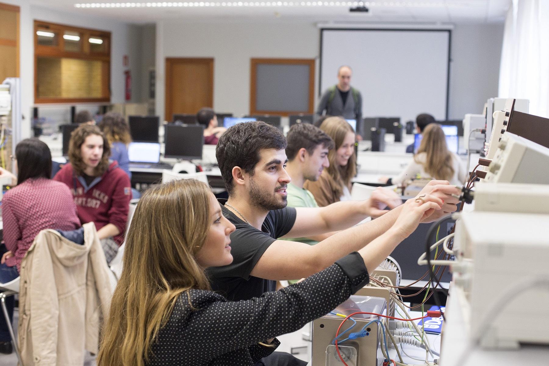 LANTEK sella una alianza con Deusto para el desarrollo de un nuevo grado de industria digital en Vitoria